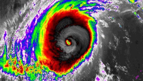 Siêu bão Yutu: Đông Bắc Biển Đông biển động dữ dội-1
