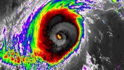 Siêu bão Yutu: Đông Bắc Biển Đông biển động dữ dội
