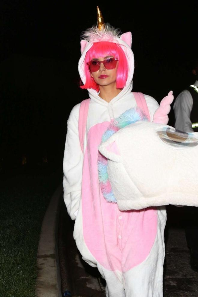 Dàn sao Hollywood hóa trang hài hước trong ngày Halloween-8