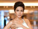 Trước ngày chinh chiến Miss Universe 2018, HHen Niê sung sướng khoe hàm răng khểnh nay đã đều tăm tắp-6