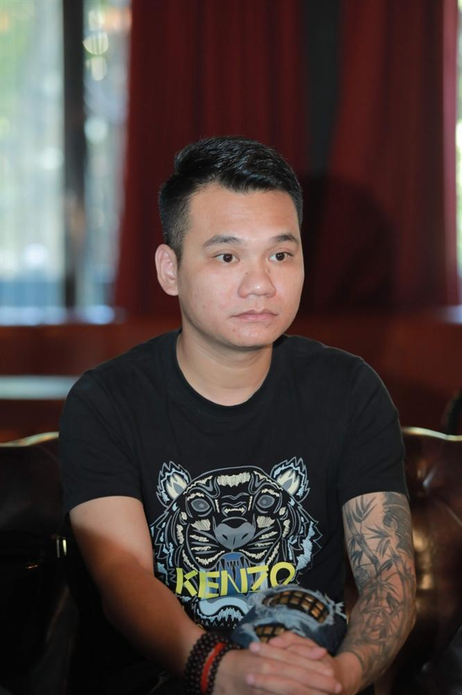 Sau status chửi bậy thô tục, Khắc Việt: Tôi không bao giờ xin lỗi những kẻ đánh hội đồng em tôi-1