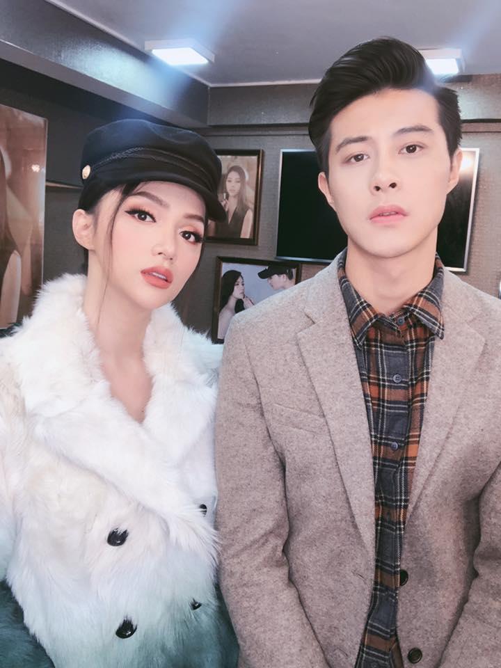 Hoa hậu Chuyển giới Hương Giang lên tiếng về bức ảnh được mỹ nam cầu hôn gây sốt mạng xã hội: Tội em-4