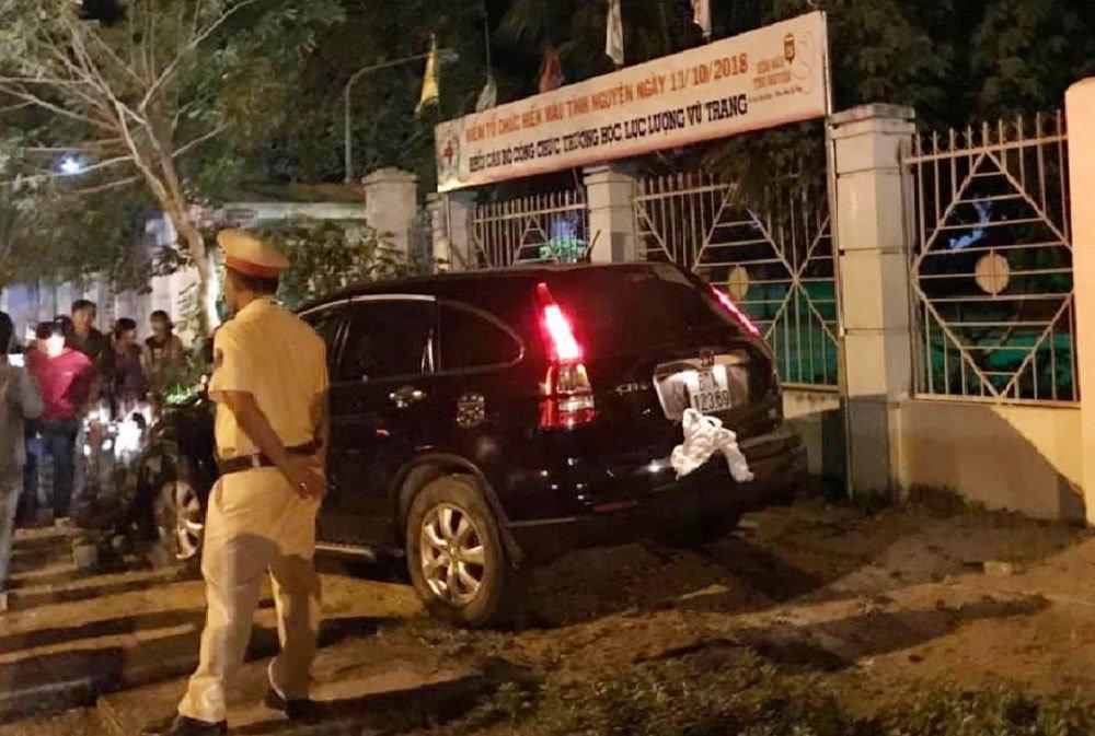 Bình Phước: Thượng tá công an lái xe tông 2 người nhập viện-1