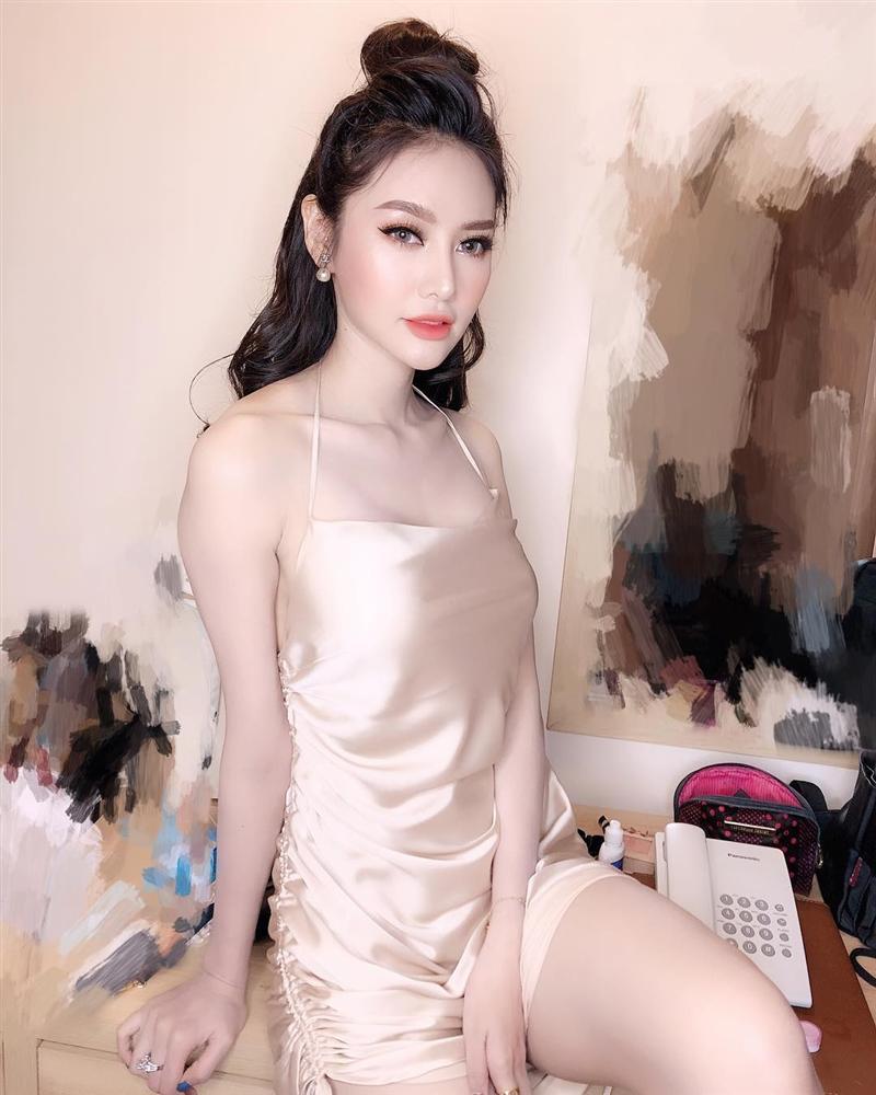 Ngồi bên đống tiền, Hoa hậu Diễm Hương than vãn cô đơn-6