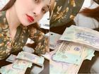 Ngồi bên đống tiền, Hoa hậu Diễm Hương than vãn cô đơn