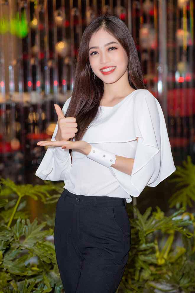 Á hậu Phương Nga ái ngại trước tin đồn yêu hot boy Phú Thọ-2