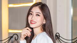 Á hậu Phương Nga ái ngại trước tin đồn yêu hot boy Phú Thọ