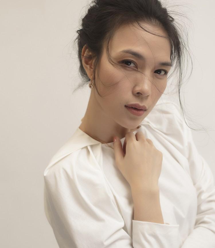 SAO MAKE OVER: Miu Lê không những mặc xấu lại còn họa mặt sai quá sai - HHen Niê kém sang với tóc mới-9