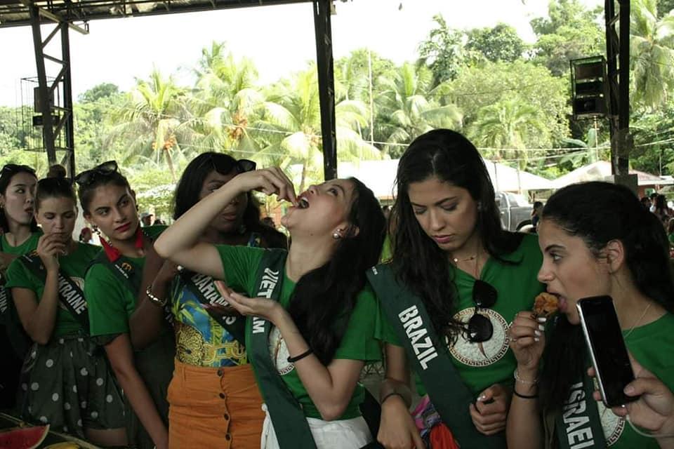TIN ĐƯỢC KHÔNG: Thí sinh dự thi Hoa hậu Trái Đất mà ăn uống bốc tay phát gớm chẳng khác nào dân tị nạn-3