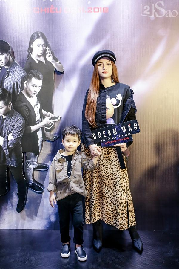 Em trai Thanh Duy chiếm trọn spotlight khi hóa trang kinh dị đến dự ra mắt phim Dream Man-9