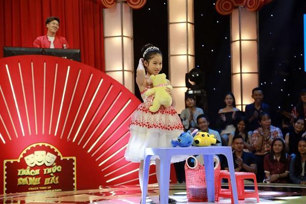 Thách thức danh hài tập 3: Chỉ với 3 chú thú nhồi bông, cô bé 10 tuổi liên tục khiến Trấn Thành, Trường Giang cười ngất-4
