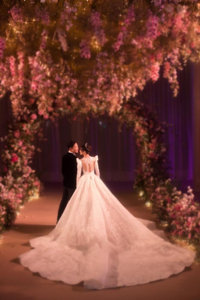 Trọn bộ ảnh đẹp như cổ tích trong hôn lễ Đường Yên - La Tấn-6