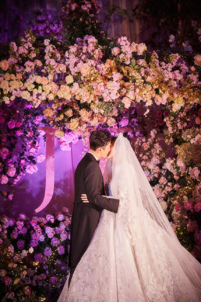 Trọn bộ ảnh đẹp như cổ tích trong hôn lễ Đường Yên - La Tấn-9