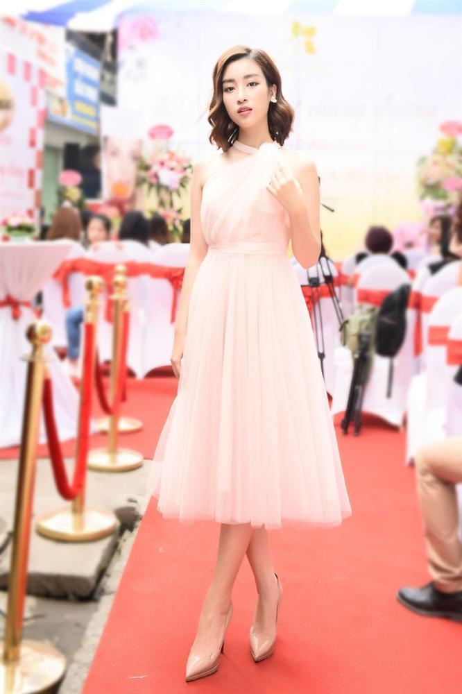 SAO MẶC ĐẸP: Hoa hậu Tiểu Vy hóa công chúa lộng lẫy chặt đẹp hai mỹ nhân đình đám Hoa ngữ-3