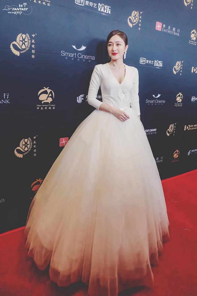 SAO MẶC ĐẸP: Hoa hậu Tiểu Vy hóa công chúa lộng lẫy chặt đẹp hai mỹ nhân đình đám Hoa ngữ-9