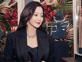 Kim Hee Sun khoe nhan sắc đỉnh cao, vóc dáng nuột nà ở tuổi 41