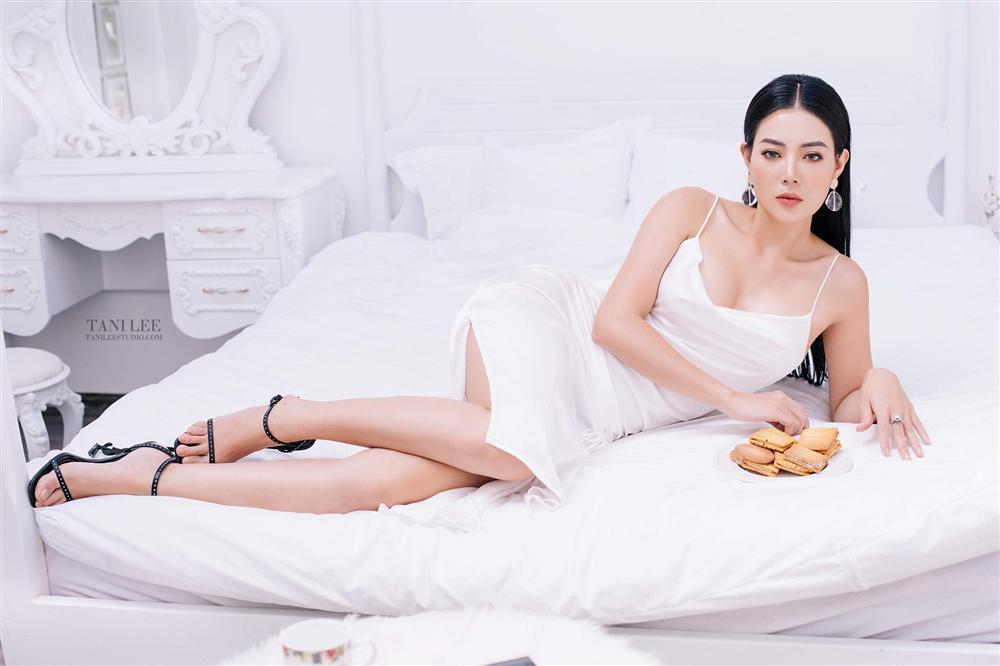 Để gỡ lại bộ dạng thê thảm của Lan Cave trên phim, Thanh Hương tung liền 2 bộ ảnh đẹp nín thở-9