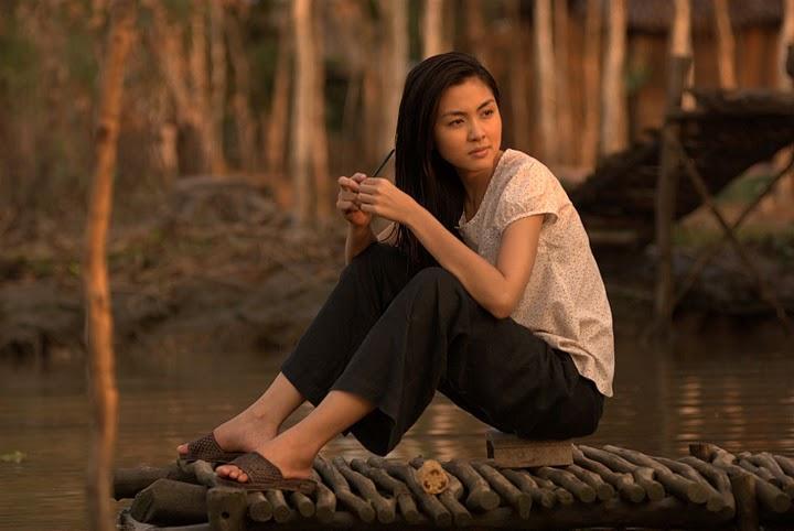 Nhan sắc nóng bỏng khác xa trên phim của những gái quê nổi tiếng bậc nhất màn ảnh Việt-2