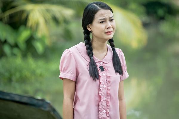 Nhan sắc nóng bỏng khác xa trên phim của những gái quê nổi tiếng bậc nhất màn ảnh Việt-8