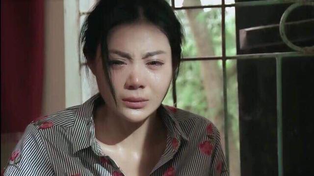 Nhan sắc nóng bỏng khác xa trên phim của những gái quê nổi tiếng bậc nhất màn ảnh Việt-11