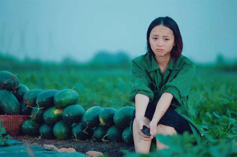 Nhan sắc nóng bỏng khác xa trên phim của những gái quê nổi tiếng bậc nhất màn ảnh Việt-13