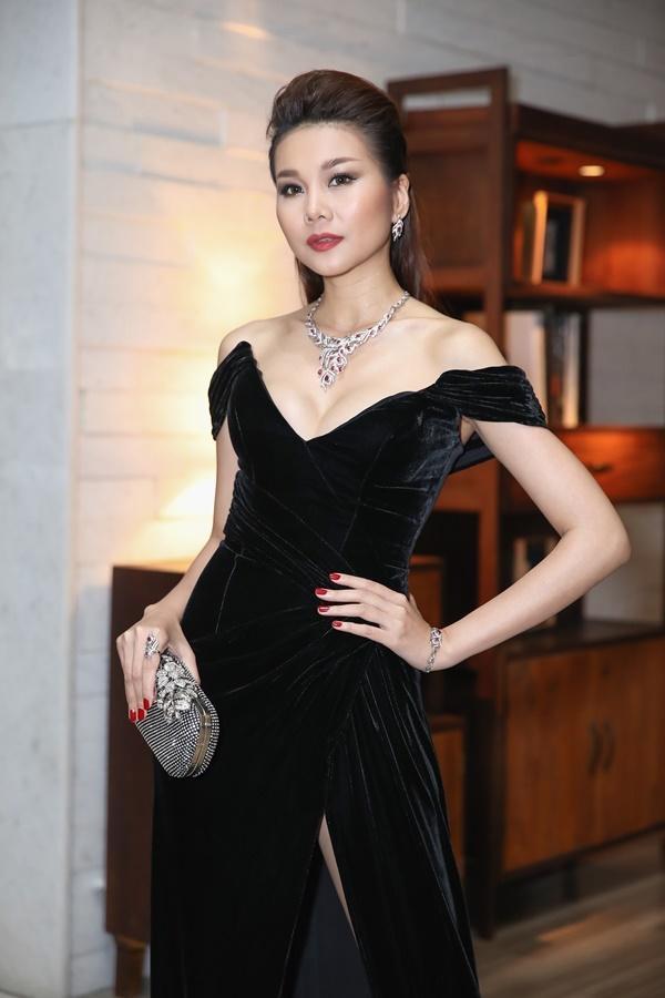 Thanh Hằng, Võ Hoàng Yến, Bảo Anh và dàn mỹ nhân Việt trưng diện váy áo khoe vòng một gợi cảm-2