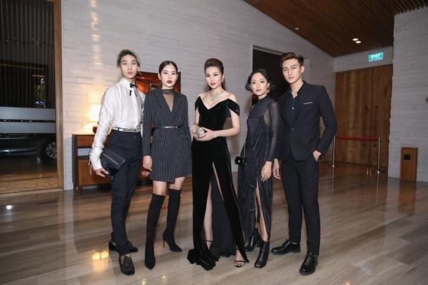 Thanh Hằng, Võ Hoàng Yến, Bảo Anh và dàn mỹ nhân Việt trưng diện váy áo khoe vòng một gợi cảm-3