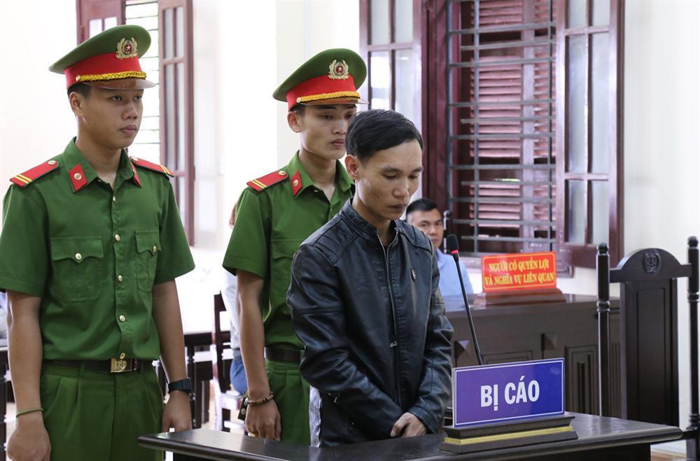 Hai người phụ nữ ở phiên tòa xử kẻ giết người chôn xác-2