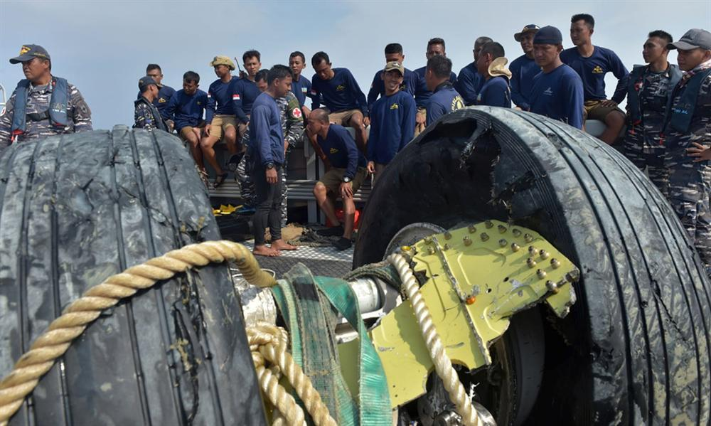 Vụ máy bay Lion Air rơi - người ở lại chờ đợi trong đau đớn và phẫn nộ-3