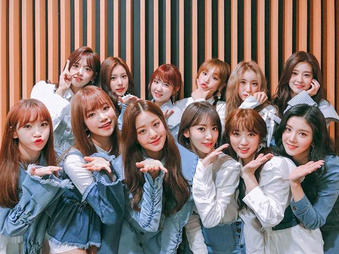 Nhóm nhạc 12 hot girl chào sân Kpop với thành tích ấn tượng-4