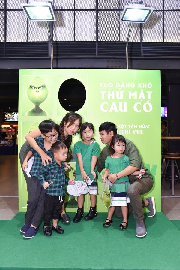 Vợ chồng Lý Hải cùng dàn sao Việt rạng rỡ trong sự kiện ra mắt siêu phẩm hoạt hình The Grinch-2