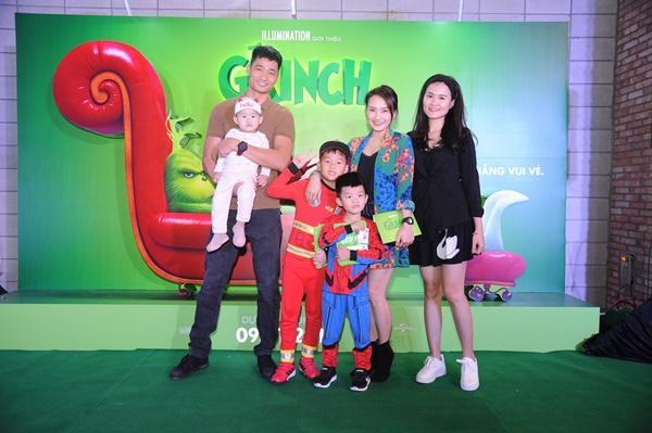 Vợ chồng Lý Hải cùng dàn sao Việt rạng rỡ trong sự kiện ra mắt siêu phẩm hoạt hình The Grinch-3