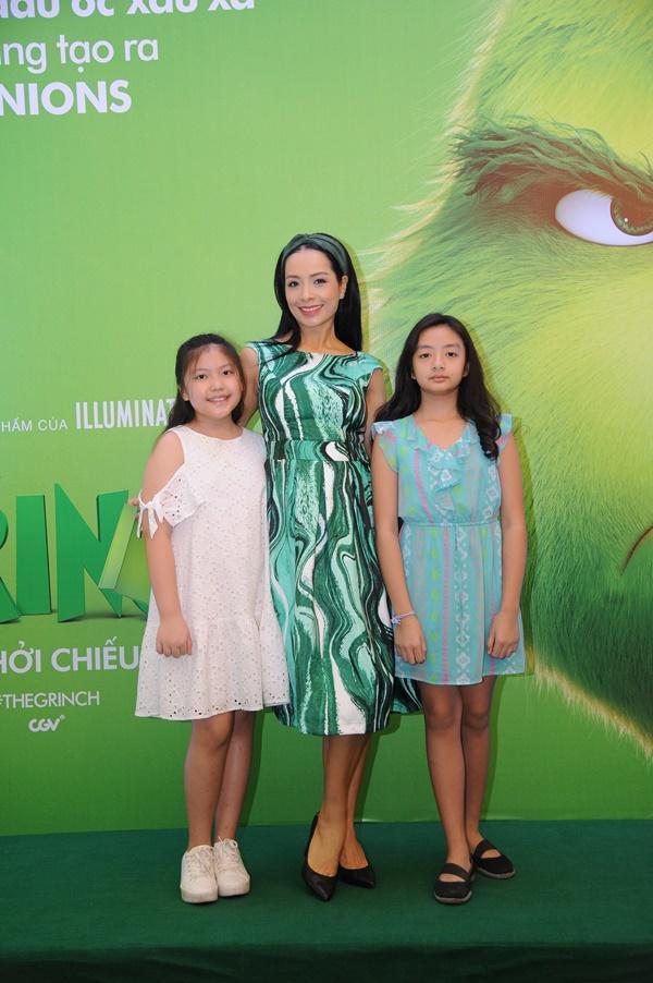 Vợ chồng Lý Hải cùng dàn sao Việt rạng rỡ trong sự kiện ra mắt siêu phẩm hoạt hình The Grinch-9