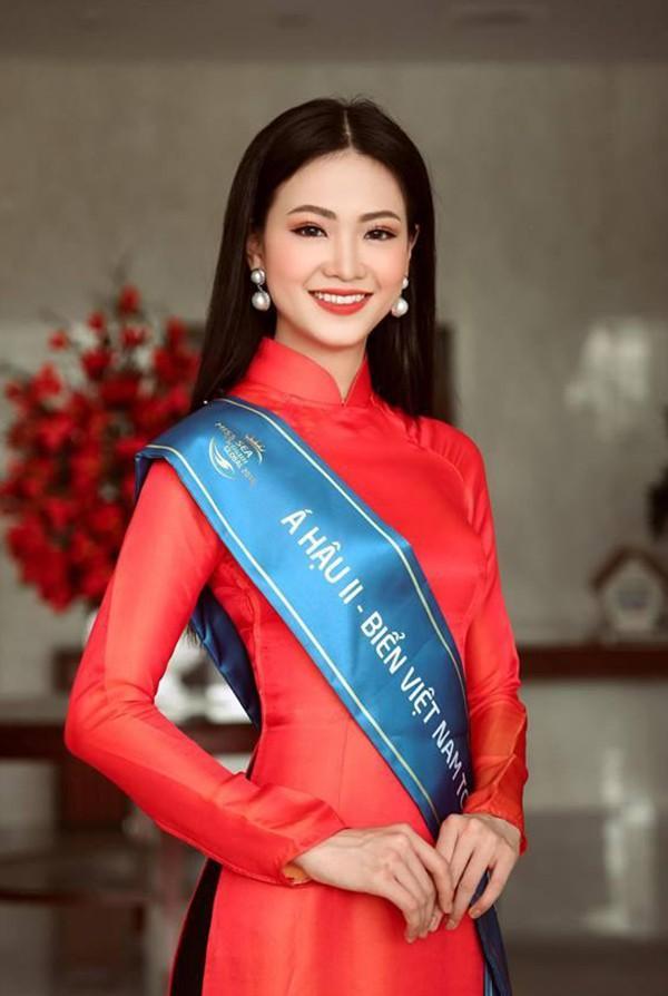 Giật mình trước nhan sắc thay đổi chóng mặt của Tân Hoa hậu Trái Đất chỉ sau nửa năm!-5