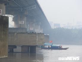 Xe Mercedes lao xuống sông Hồng, 2 người chết: Xác định danh tính nạn nhân thứ hai