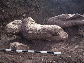 Phát hiện tượng cổ khỏa thân chôn vùi ở cánh đồng Hy Lạp