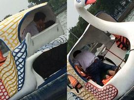 'Mây mưa' từ quán trà sữa đến xe bus chưa đủ, giờ công viên cũng trở thành nhà nghỉ để các cặp đôi vô tư hành sự