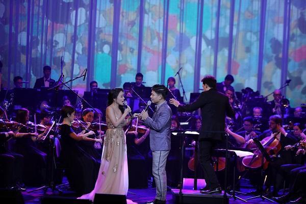 Khán giả vỗ tay không ngớt khi Họa mi Opera Lan Anh hát Bolero cùng dàn nhạc giao hưởng-5