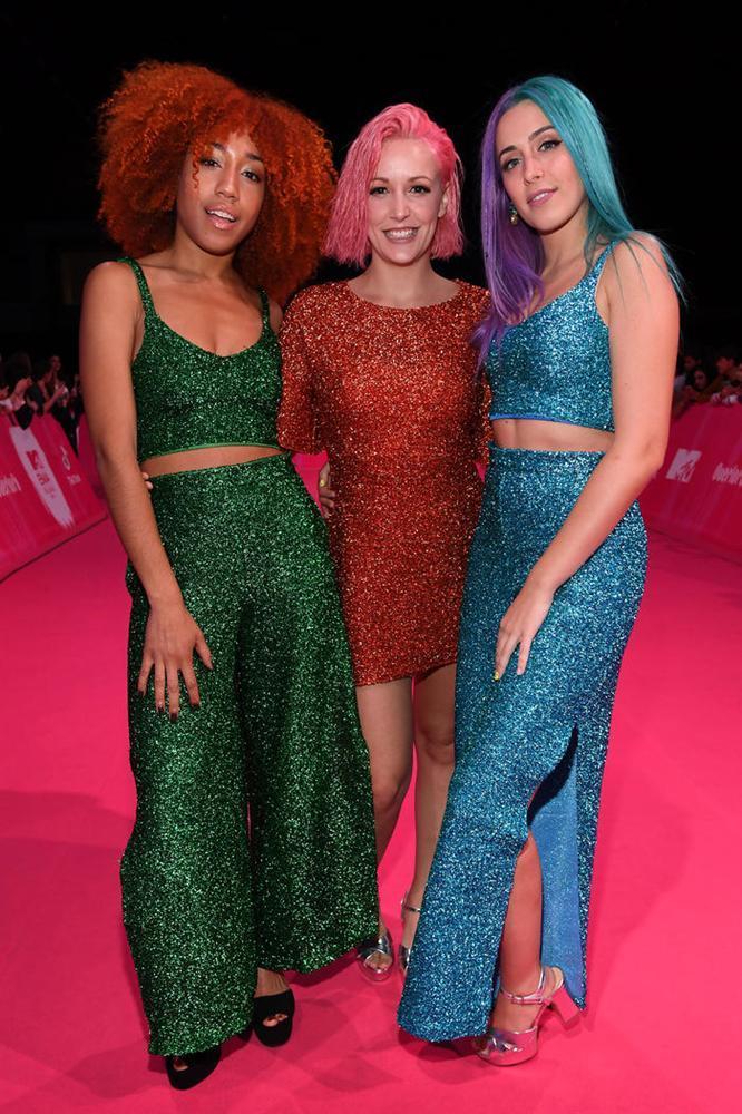 Những bộ trang phục thừa lồng lộn nhưng thảm họa nhất tại lễ trao giải MTV EMA 2018-6