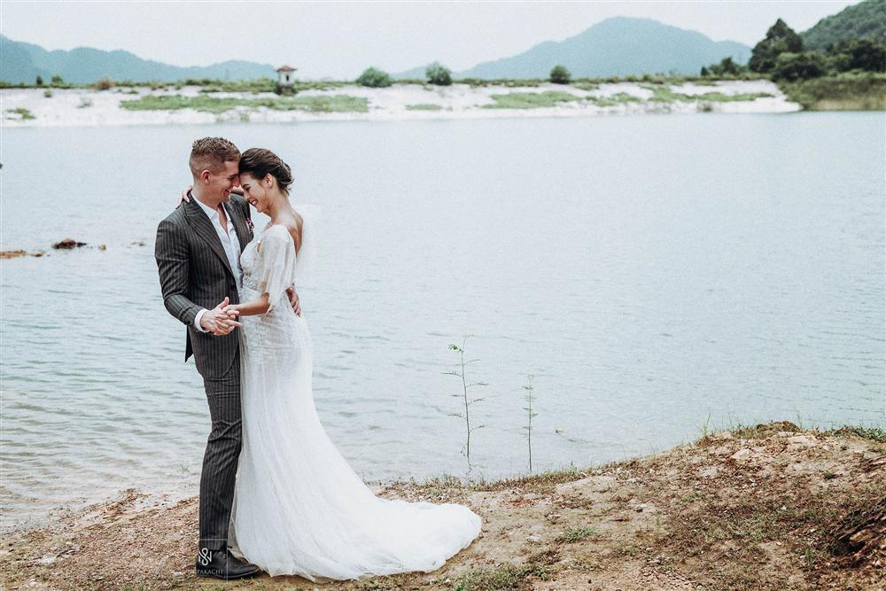 Quá ấn tượng với Việt Nam qua mạng, cặp đôi người Mỹ quyết định đến Hà Nội sống và chụp ảnh cưới đẹp long lanh-1