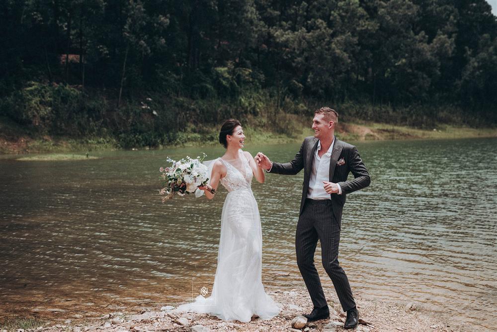 Quá ấn tượng với Việt Nam qua mạng, cặp đôi người Mỹ quyết định đến Hà Nội sống và chụp ảnh cưới đẹp long lanh-3