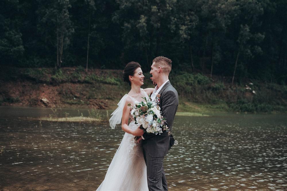 Quá ấn tượng với Việt Nam qua mạng, cặp đôi người Mỹ quyết định đến Hà Nội sống và chụp ảnh cưới đẹp long lanh-5