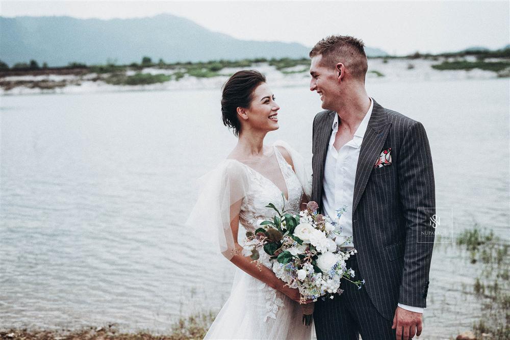 Quá ấn tượng với Việt Nam qua mạng, cặp đôi người Mỹ quyết định đến Hà Nội sống và chụp ảnh cưới đẹp long lanh-6
