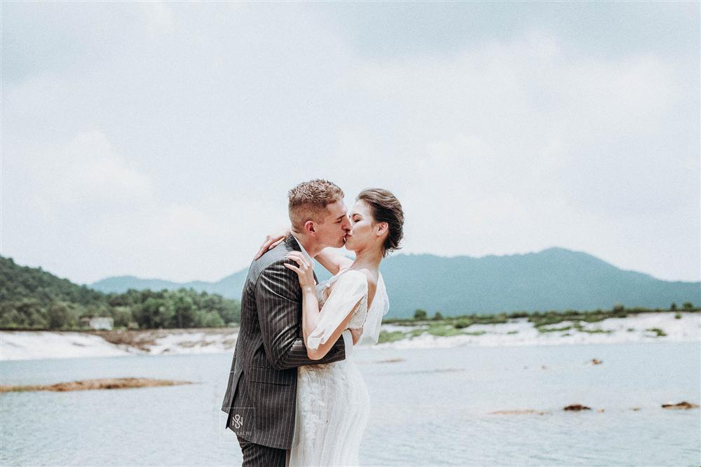 Quá ấn tượng với Việt Nam qua mạng, cặp đôi người Mỹ quyết định đến Hà Nội sống và chụp ảnh cưới đẹp long lanh-7