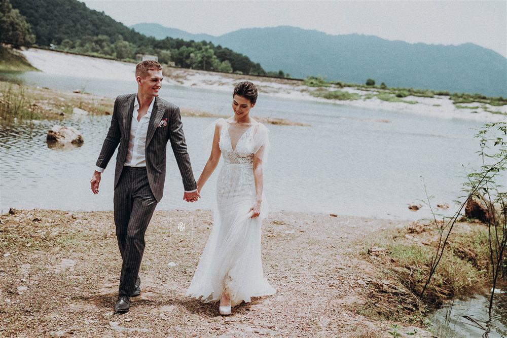 Quá ấn tượng với Việt Nam qua mạng, cặp đôi người Mỹ quyết định đến Hà Nội sống và chụp ảnh cưới đẹp long lanh-8