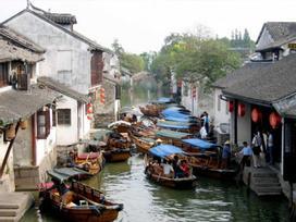 Lạc về quá khứ tại những thành phố bên sông đẹp như tranh vẽ