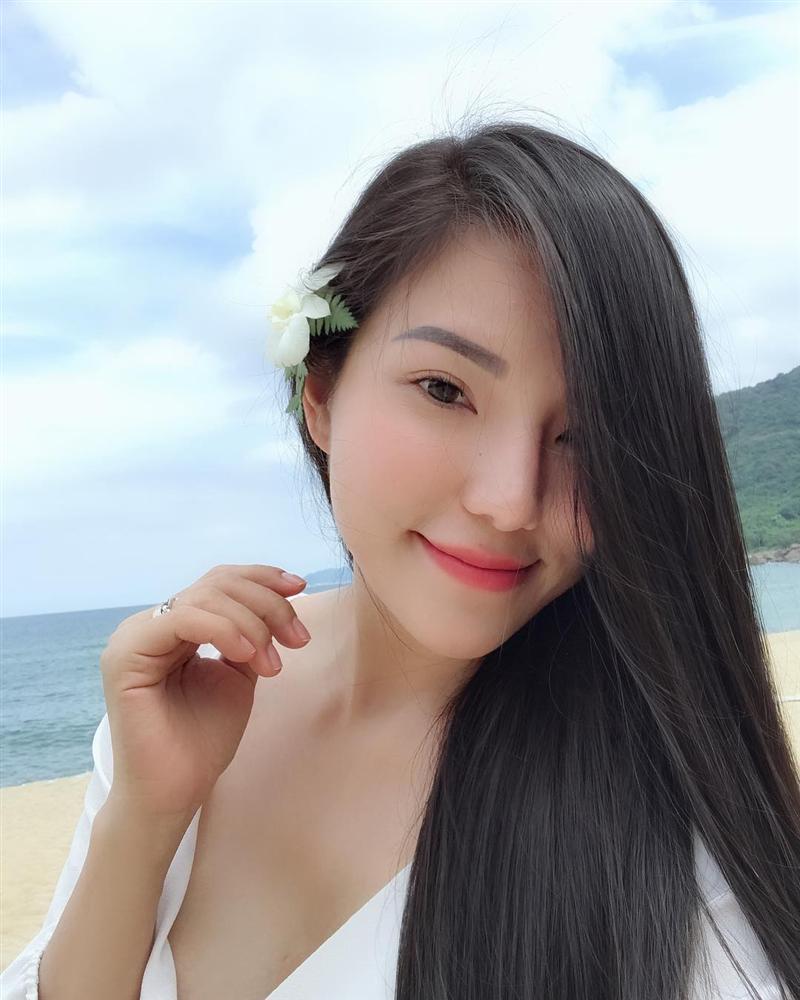 Nổi tiếng sau vụ ly hôn đình đám với Lâm Vinh Hải, dancer Lý Phương Châu ngày càng hở bạo-16