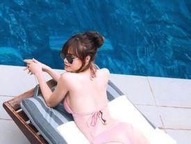 Sao nữ Việt mặc áo tắm, khoe thân hình gợi cảm ở hậu trường phim