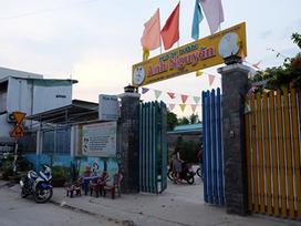 Bảo mẫu mở nhầm nước nóng, bé gái 18 tháng tuổi ở Sài Gòn bị bỏng