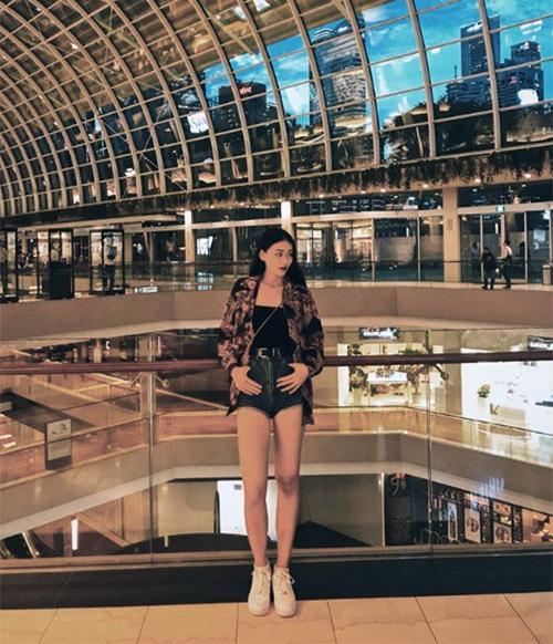 Rời sân khấu, Phương Khánh mê tít phong cách cool ngầu như gái Tây-7